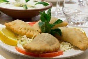 entrée chaude Samboussek restaurant Al Wady